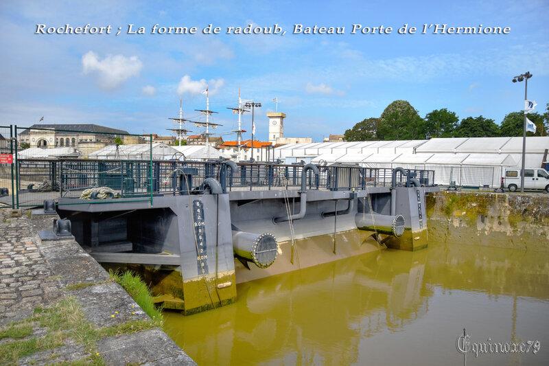 Rochefort ; La forme de radoub, Bateau Porte de l'Hermione (10)