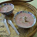 Crème de biscuits roses à la rhubarbe