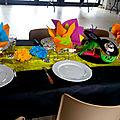 décoration table anniversaire année 80 disco fluo