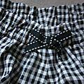 Culotte BIANCA en coton vichy noir et blanc - noeud noir fantaisie (1)