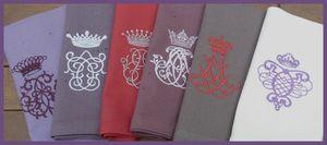 serviettes couleurs couronnes