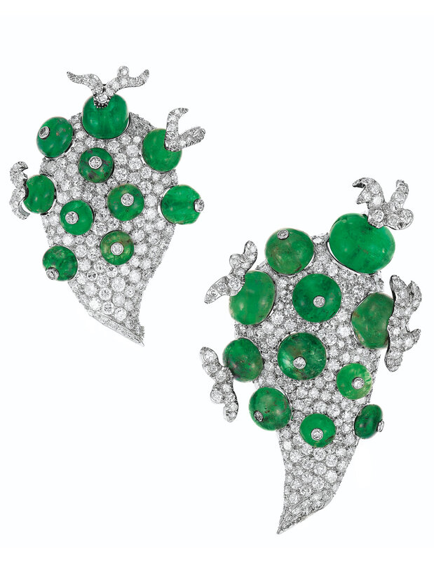 2019_NYR_17450_0030_000(an_unusual_pair_of_emerald_and_diamond_clip-brooches_paul_flato)