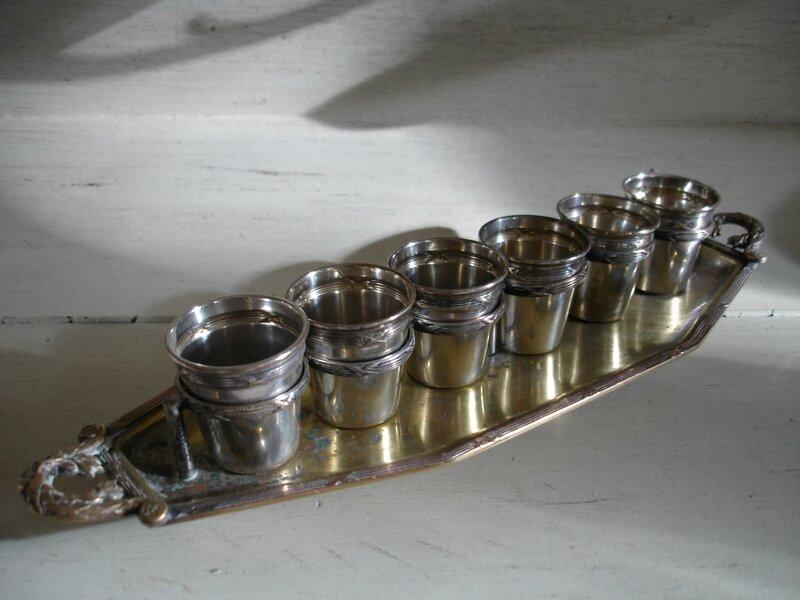 Ensemble en métal argenté (1)