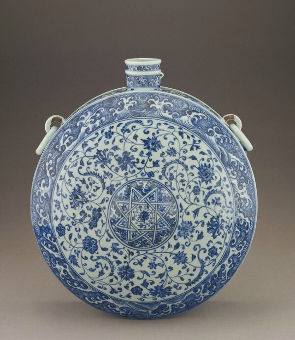 Canteen, early 15th century. Ming dynasty. Porcelain with cobalt pigment under colorless glaze. H: 46.9 W: 41.8 D: 21.3 cm, Jingdezhen, China. Purchase F1958.2. Freer/Sackler © 2014 Smithsonian Institution
