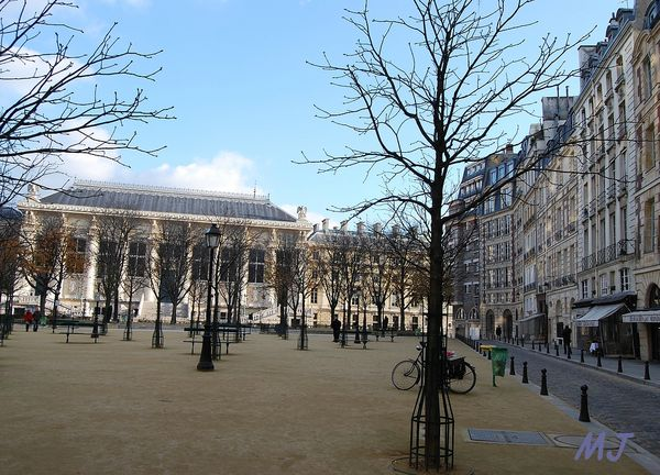 PLACE DAUPHINE BIS