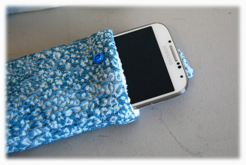 pochette téléphone02