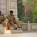 Agra, Taj Mahal, gardes