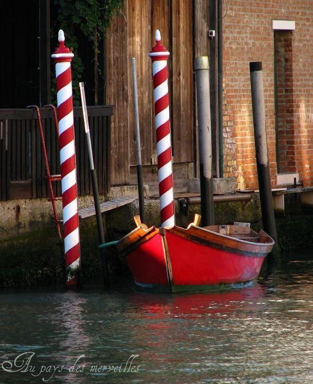 bateau_rouge_sign_