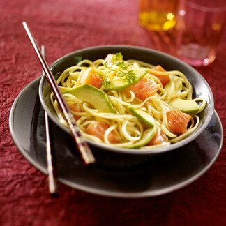 salade-nouilles-saumon-avocat