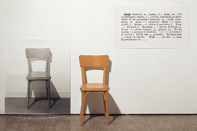 74. Joseph KOSUTH, One and Three Chairs, 1965.