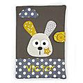 Protège carnet de santé lapin gris jaune personnalisé
