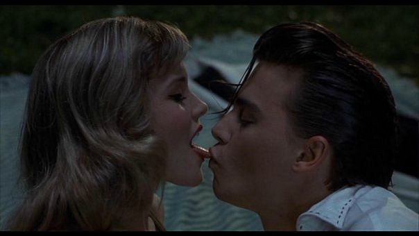 amy-locane-cry-baby-johnny-depp-Favim