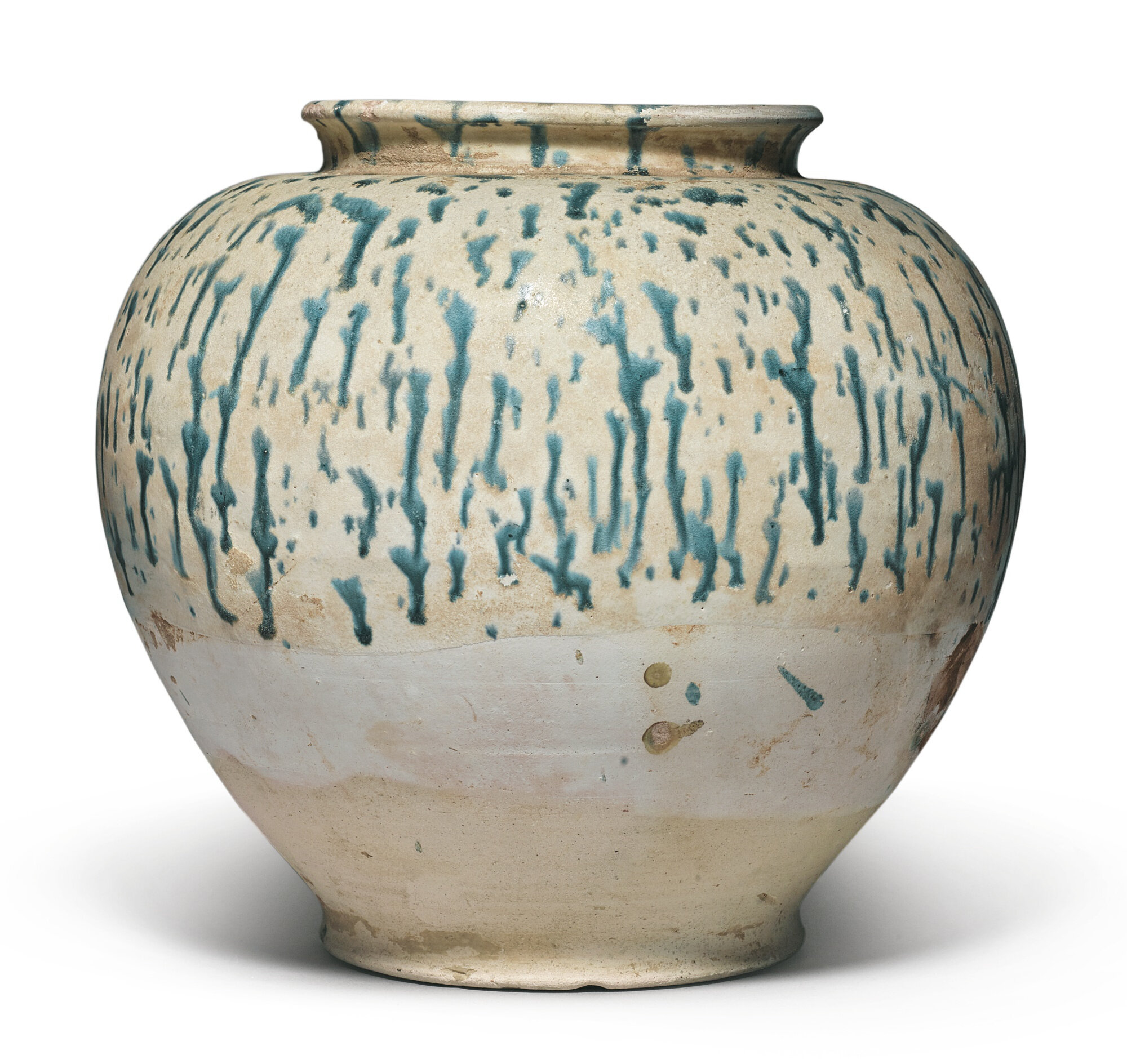 A blue-splashed pottery jar, Tang dynasty (618-907)