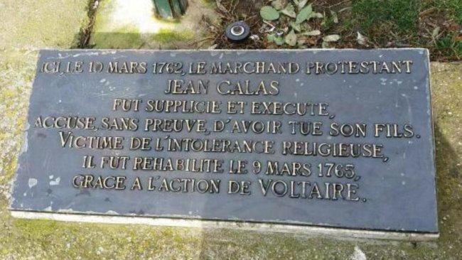 calas-plaque-sg
