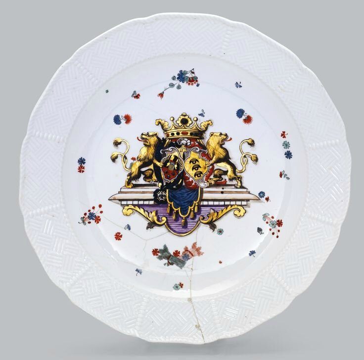 A very large Meissen charger from the Sulkowski service, circa 1735-38