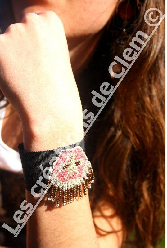 manchette tissu+aigle perles de rocailles cousu+pampilles (1)+tendance