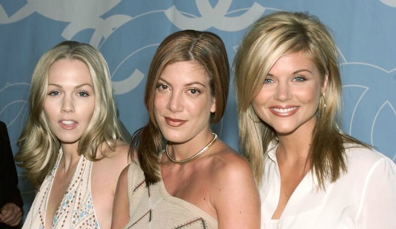 tori-spelling-jennie-garth-reportedly-diss-tiffani-thiessen-on-rupauls-drag-race