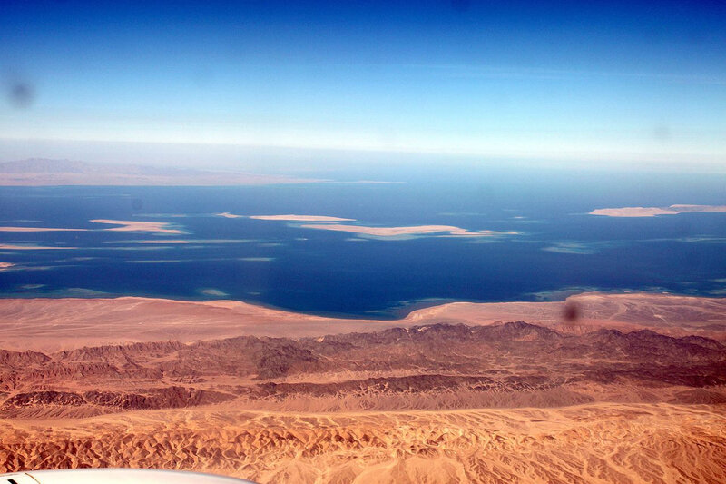 Red_Sea_on_fly,_Hurghada_-_panoramio