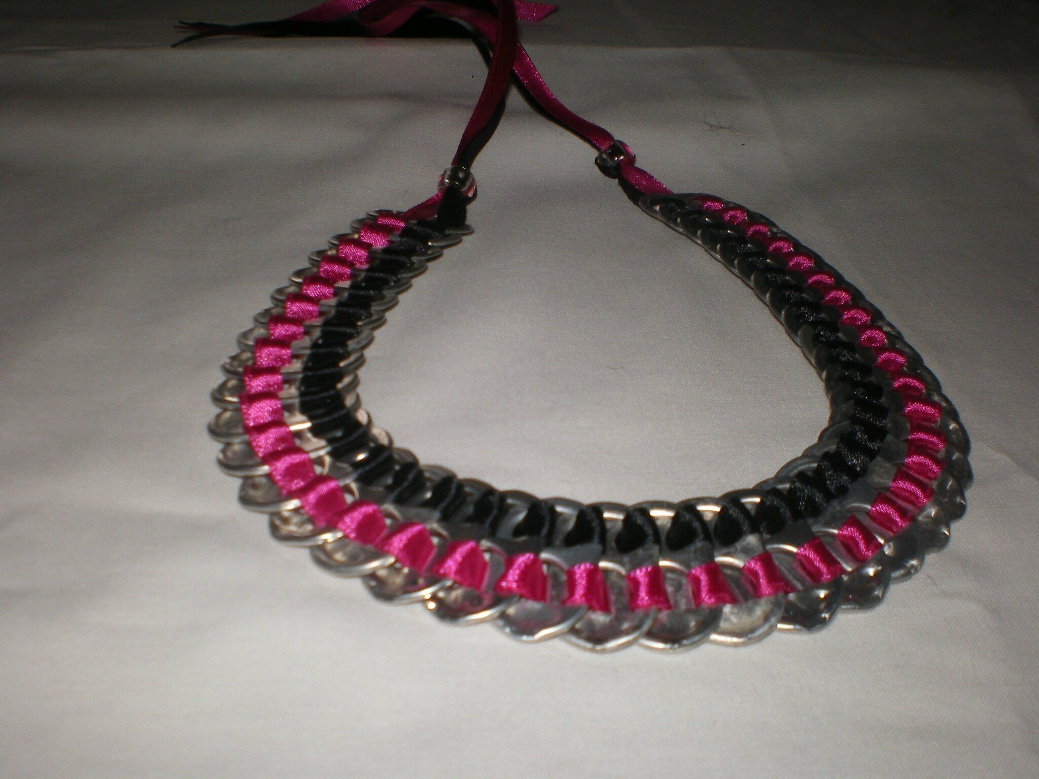 collier bicolore rose et noir