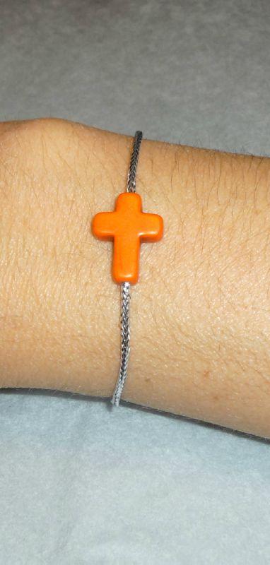 Bracelet 'Croix Howlite' orange, lien argenté
