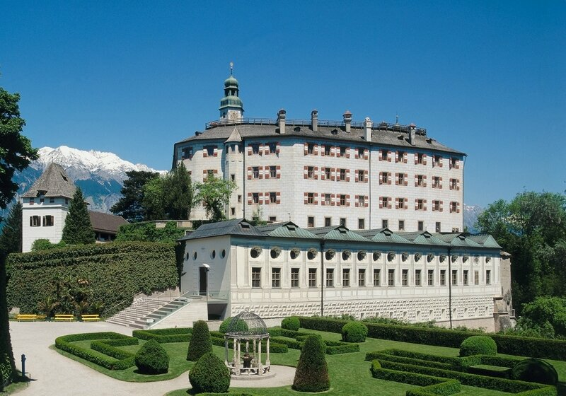 Schloss_Ambras_Innsbruck_Hochschloss