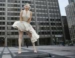 Marilyn-Monroe-Statue-Unveiled-in-Chicago-e1310838095849[1]