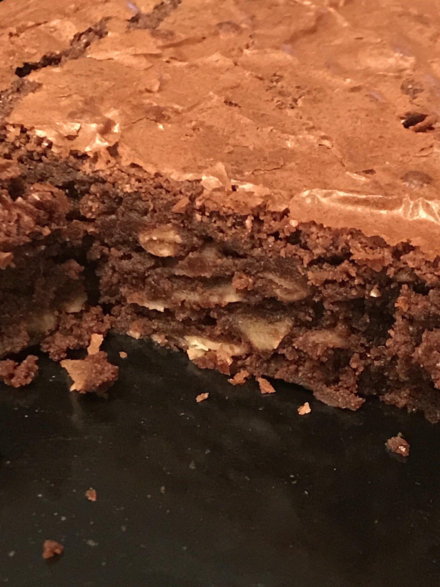 Gâteau fondant à la farine de châtaigne, chocolat et amandes effilées