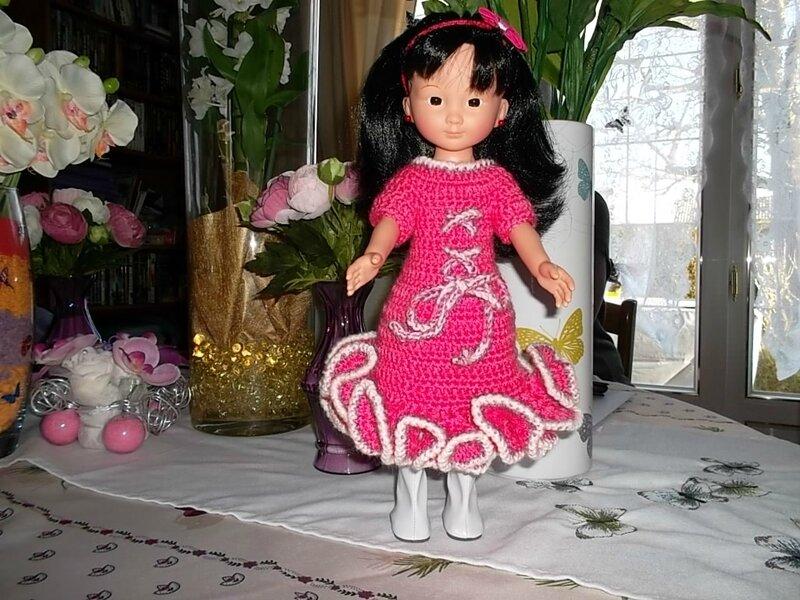 Coraline & sa jolie robe à frou-frou ( Odile )