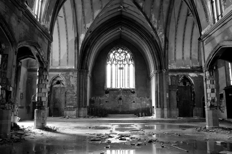 Abandoned-Church-4e338ae2d9d3c_hires