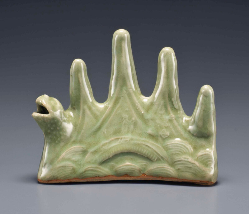 Longquan celadon mountain-form brush rest and water dropper, Ming dynasty (1368-1644)