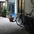 vélo, cour parisienne_8084