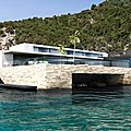 Villa moderne design bord de mer cote d'azur