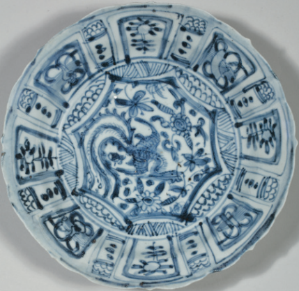A group of four blue and white 'Kraak Porselein' dishes, Chongzhen period, circa 1643 2