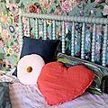 Déco : la chambre fleurie des alpes