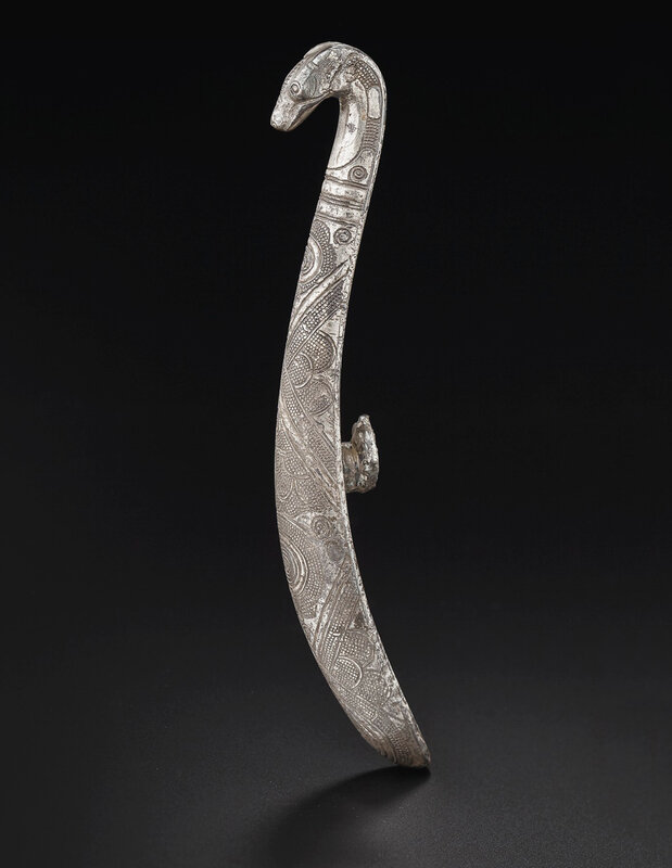 2019_NYR_18338_0538_000(an_engraved_silver_garment_hook_late_warring_states-western_han_dynast)