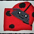 Le bonnet et le snood coccinelle