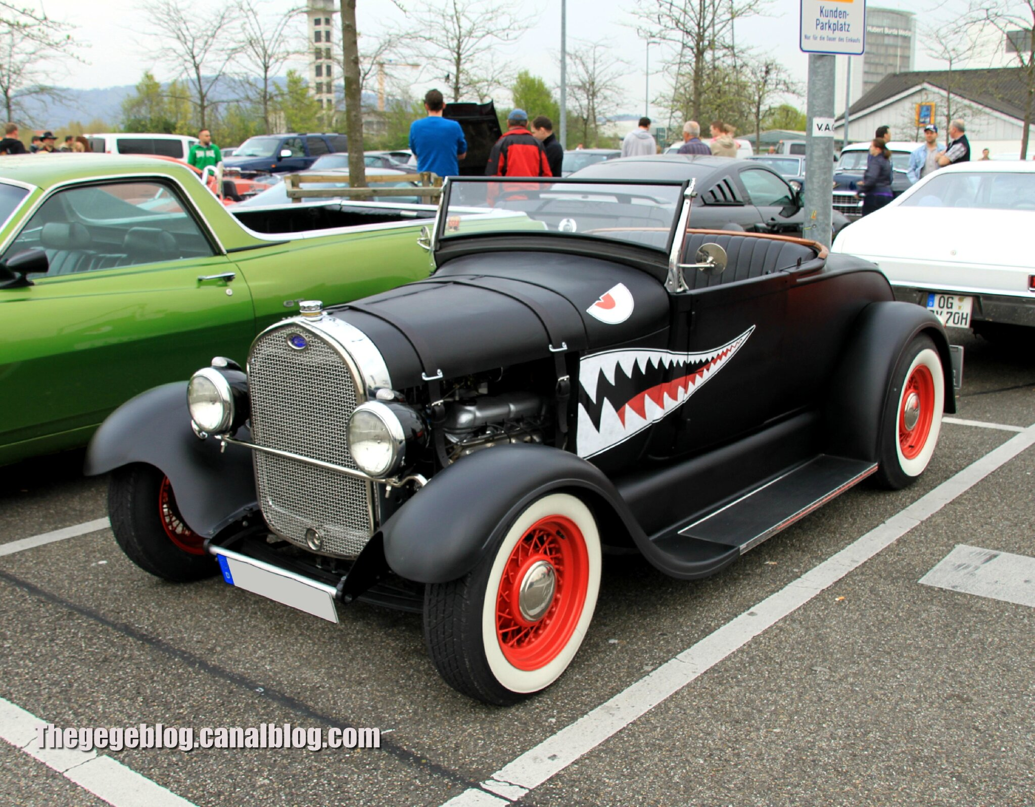 Ford roadster de 1929 (Rencard Burger King avril 2014) 01