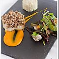 Bar en crumble de kasha, coulis de potimarron orange/argan & risotto de chou-fleur