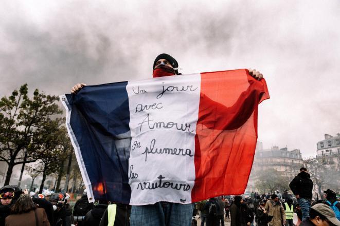 1-drapeau-ouverture