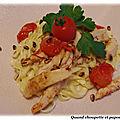 Tagliatelles au poulet, gorgonzola et pignons grilles