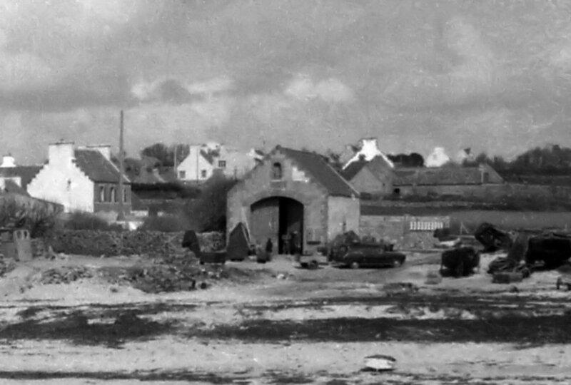 Ch37 - Stockage du bezhin brao dans l'abris de sauvetage du Loch en 1963