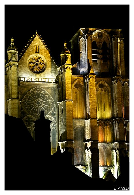 CATHEDRALE_BOURGES_4_BN_CB