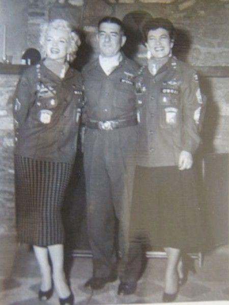 1954-02-16-5_after_perform_7th_infantery_division-5-with_jean-2