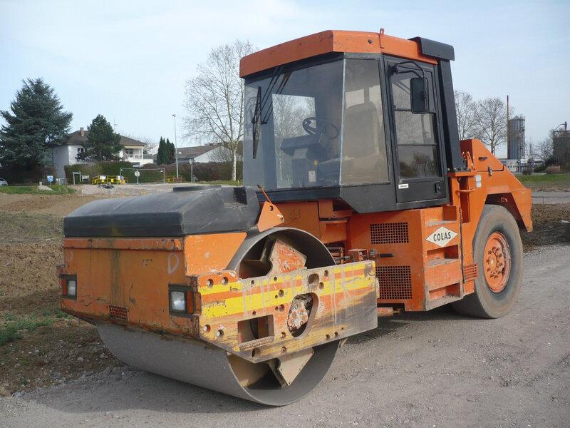 CATERPILLAR CB-535B compacteur mixte Mundolsheim (1)
