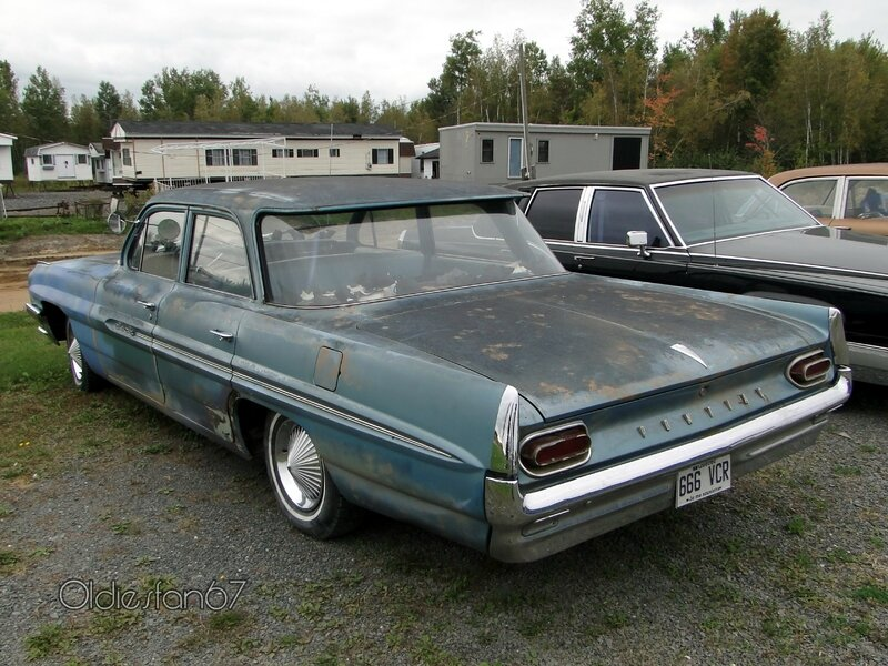 pontiac-strato-chief-sedan-1961-b