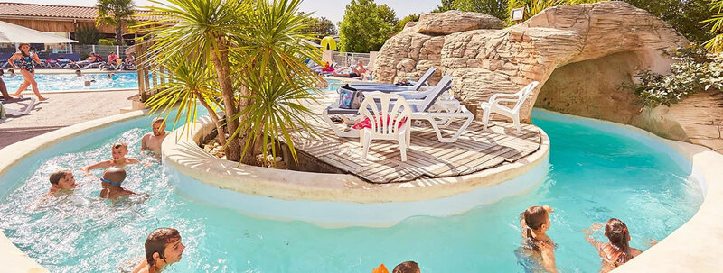 5c7545500a62b_camping-la-grand-metairie-piscine