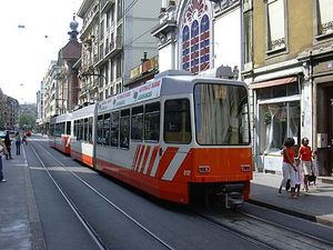 Tram_817_20040804_01