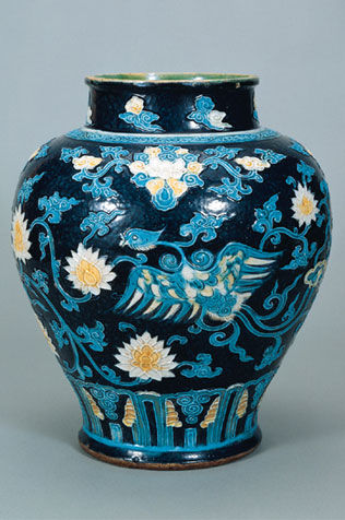 Jar. China, Shanxi or Henan Province; Ming period (1368-1644), l