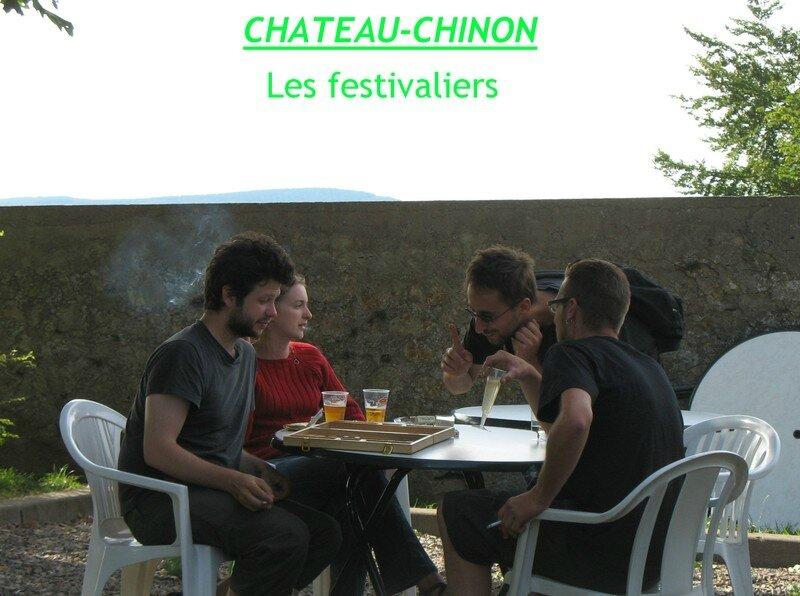 chateau chinon festivaliers