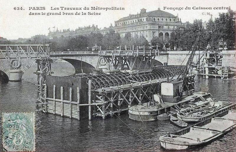 Paris_-_Les_travaux_du_Metropolitain_-_Foncage_du_caisson_central
